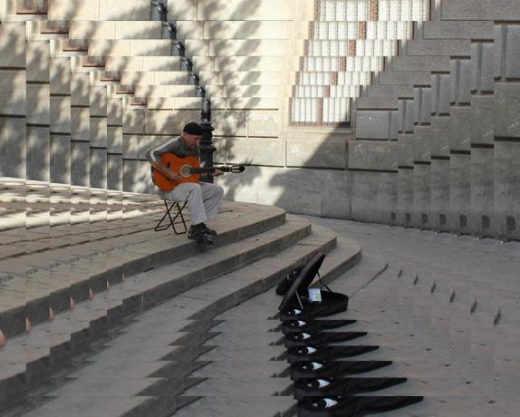 Az utcai zenész