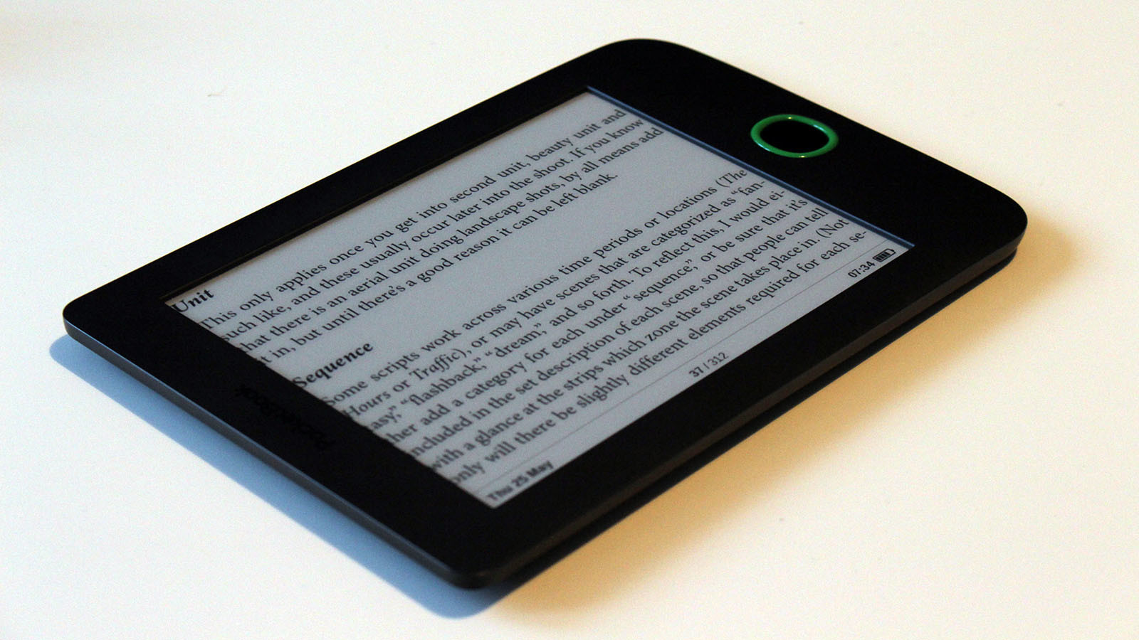 PocketBook Basic 2 eBook olvaso teszt Most, hogy már majdnem két hónapot eltöltöttünk a PocketBook sokak által emlegetett, megfizethető eBook olvasójával, összefoglalunk!