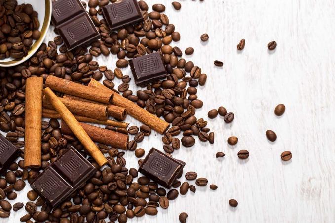 Örüljünk a csokoládénak és a kávénak