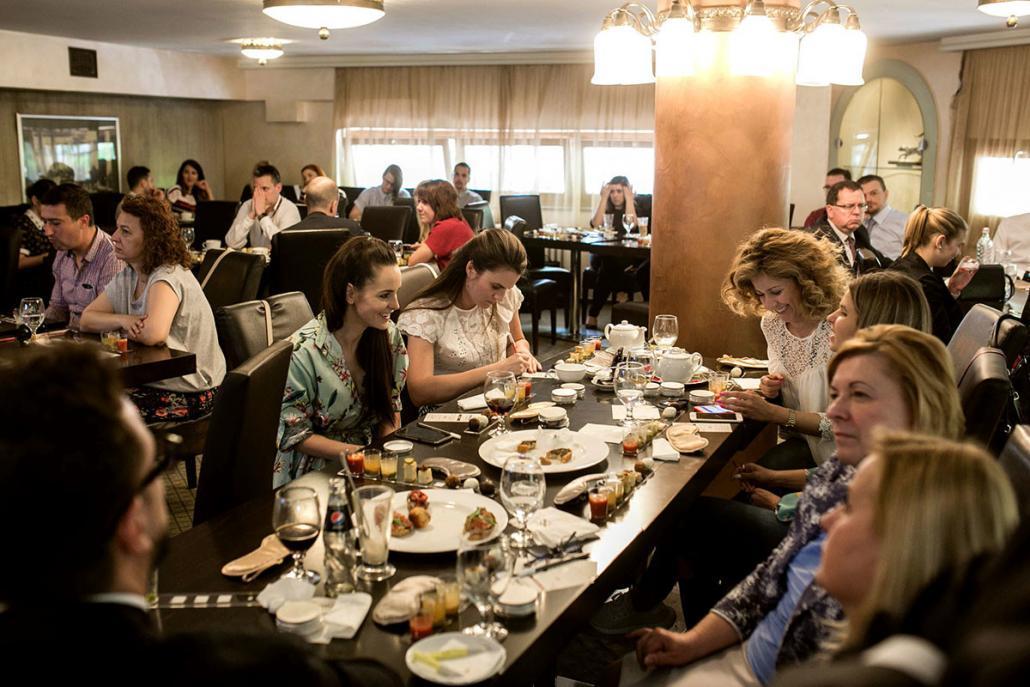 50 éves Omnia születésnapi aromazsúr a Dunapark Kávéházban