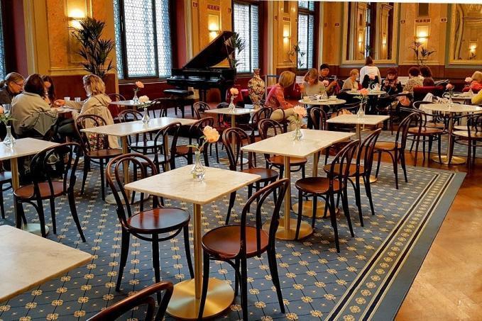 Café Párisi nagypolgári kávéház az Andrássy úton