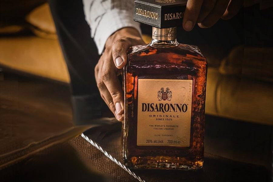 Amaretto Disaronno Az AFFOGATO seperc alatt úgy készül el, hogy az ember bemegy egy Dolce Fantasia cukrászda és fagyizó valamelyikébe és rögtön megrendeli.