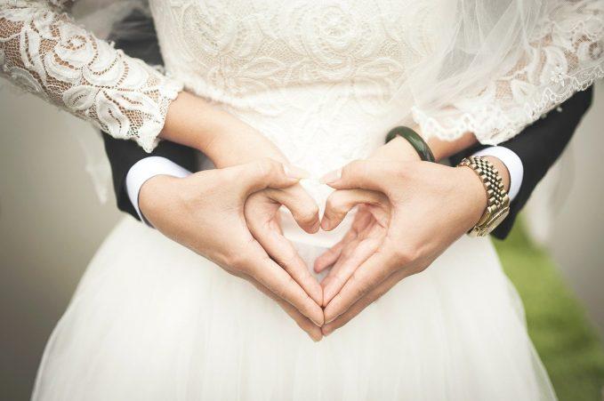 Romantikus esküvő kastélyban