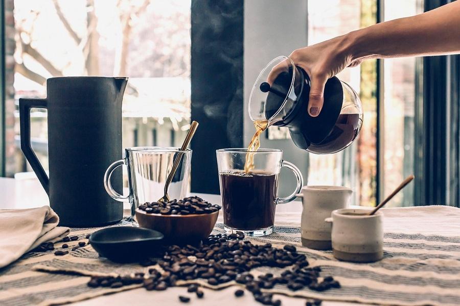 Kavezas kiserletezve A kávézás és kávézók COVID-19 idején egy év távlatából jól érzékelhető átalakuláson mentek át.
