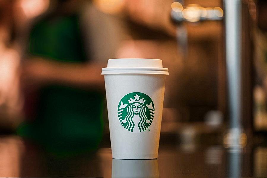 Starbucks papirpohar Starbucks betétdíjas pohár akció indult a Föld világnapján és tart egészen 2021. május 31-ig. Ígéretesen környezetbarát!