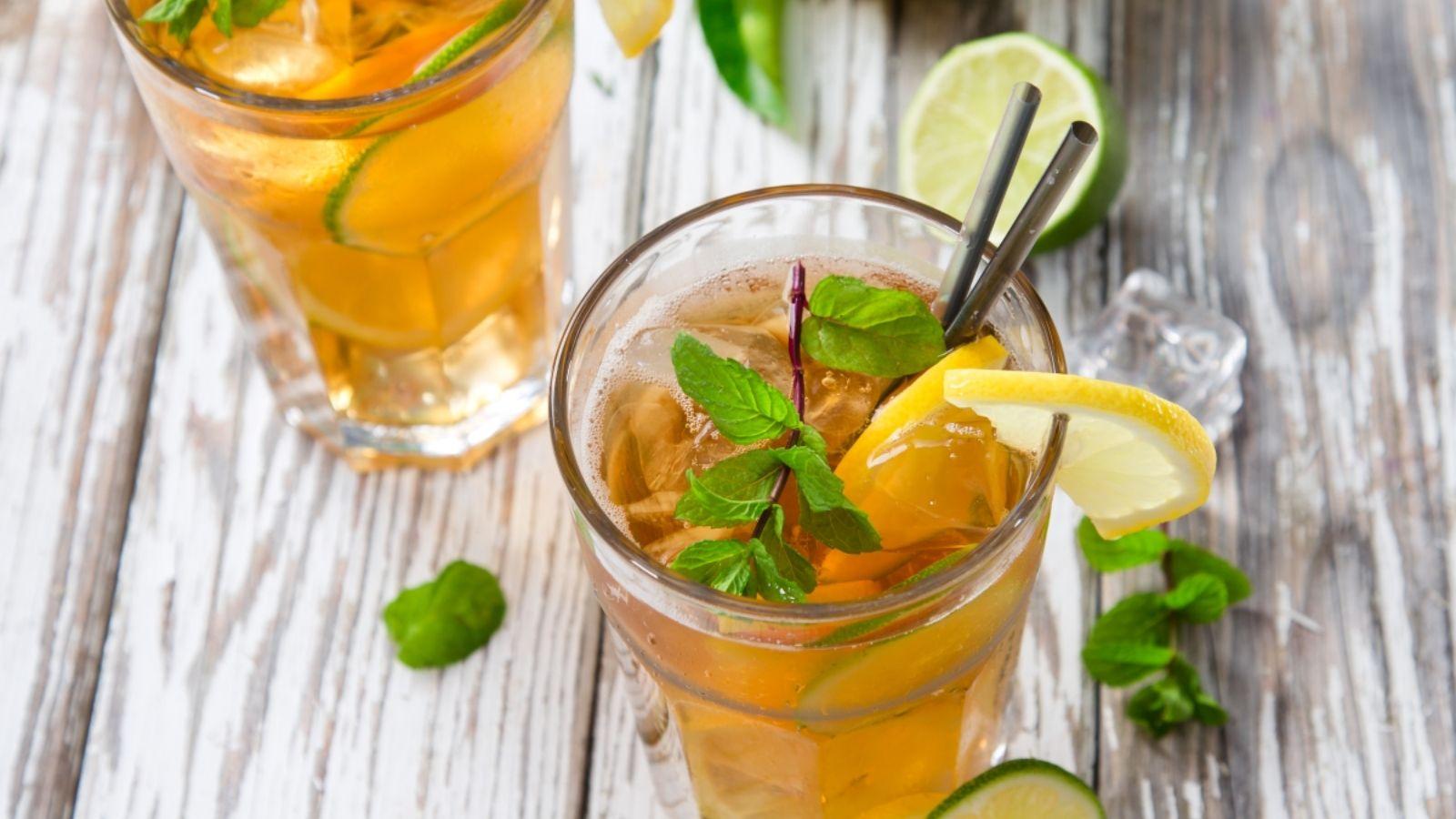 jegestea a hideg nyari udito A víz után a tea Földünk második legkedveltebb itala. A nyár és a meleg közeledtével a teát inkább hűsítő jegestea formájában fogyasztjuk.