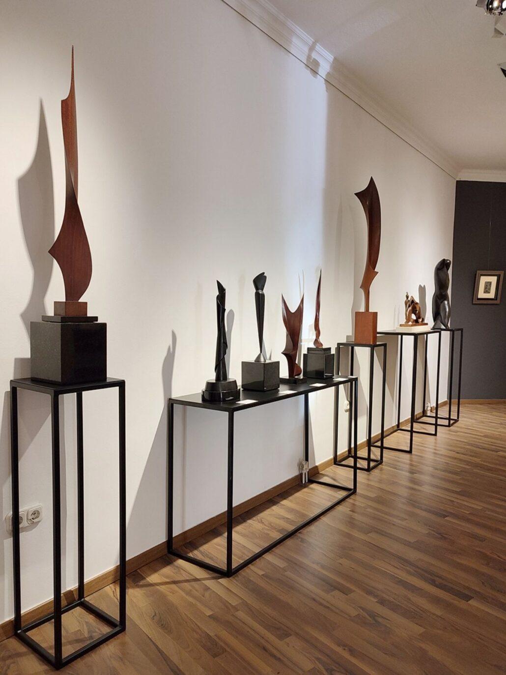 szoborkiallitas 1 Szoborkiállítás: A nagysikerű Magyar-Párizs kiállítás sorozat keretén belül jelenleg a szobrászművészek alkotásait mutatjuk be.