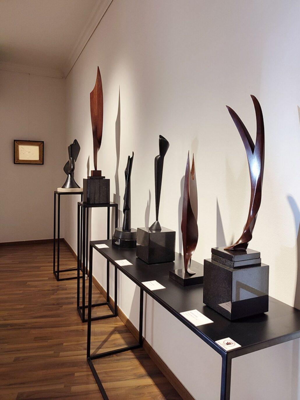 szoborkiallitas 3 Szoborkiállítás: A nagysikerű Magyar-Párizs kiállítás sorozat keretén belül jelenleg a szobrászművészek alkotásait mutatjuk be.
