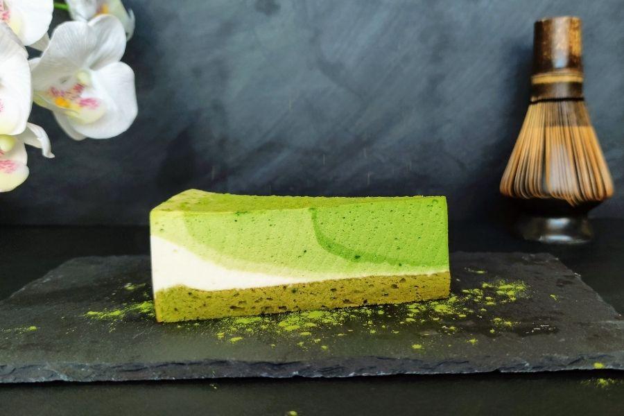 """Matcha Tsuki tea 2 Latte, limonádé, fagyi, sajttorta – klasszikus finomságok, amiket már """"matchásítva"""" is megkóstolhatunk a főváros két pontján."""