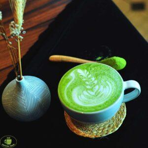 """Matcha Tsuki tea 6 Latte, limonádé, fagyi, sajttorta – klasszikus finomságok, amiket már """"matchásítva"""" is megkóstolhatunk a főváros két pontján."""
