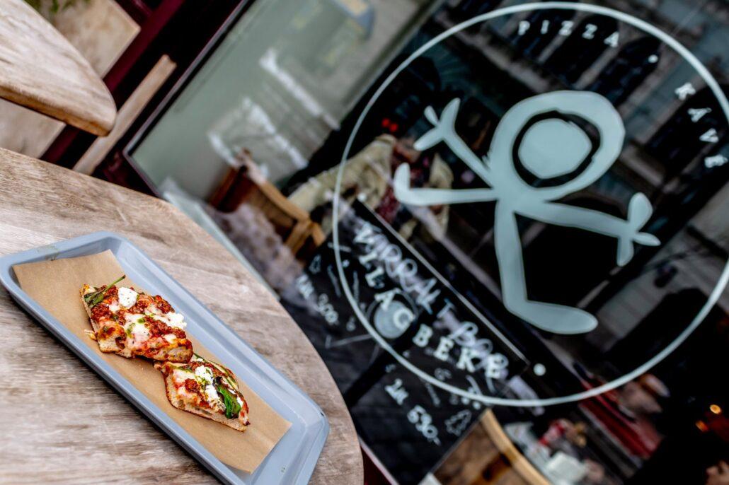 Pizza Kave Vilagbeke Idén is megtaláljuk az ország legjobb alternatív vendéglátóhelyeit: a pizzától a gyroson és a barbeque-n át a fúziós fogásokig