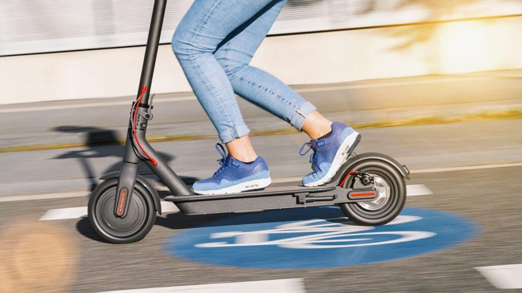 elektromos roller valasztas Az utóbbi évek egyik legnagyobb slágere a közlekedési eszközök világában nem más, mint az elektromos roller.