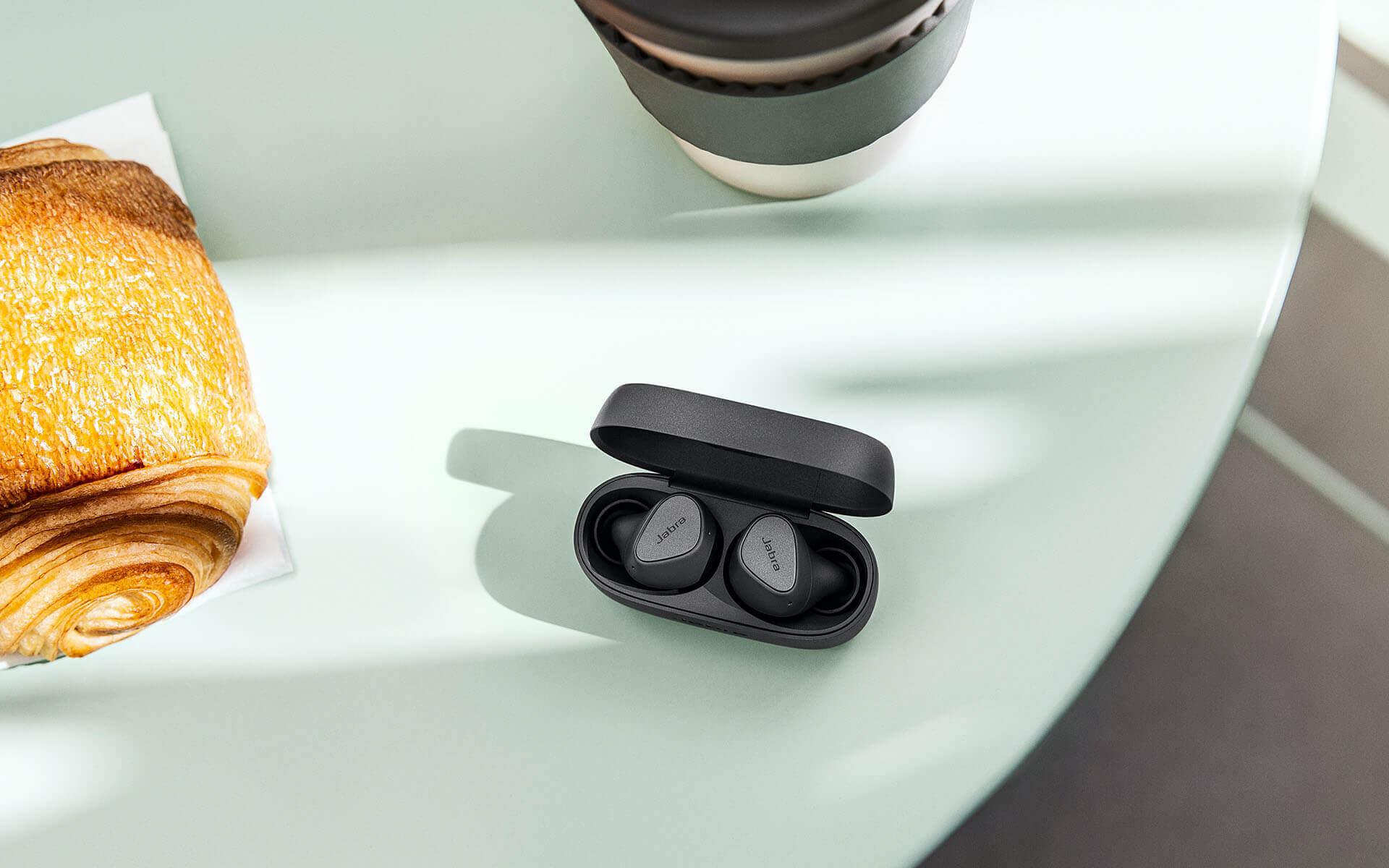 Jabra Elite 3 Lifestyle A Jabra négy új termék bevezetését jelentette be az új Elite valódi vezeték nélküli termékcsalád frissítésével.