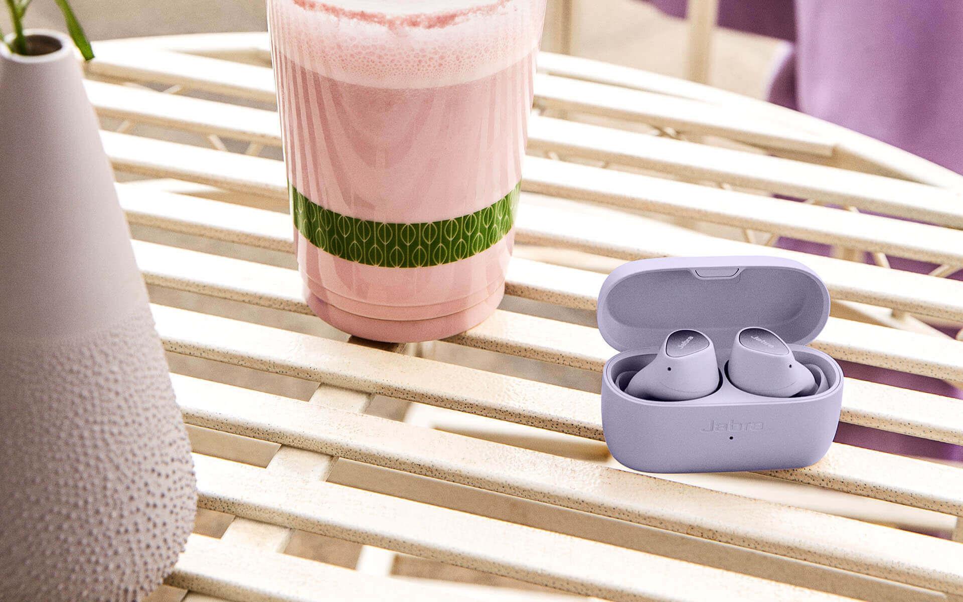 Jabra Elite 3 kinezet A Jabra négy új termék bevezetését jelentette be az új Elite valódi vezeték nélküli termékcsalád frissítésével.