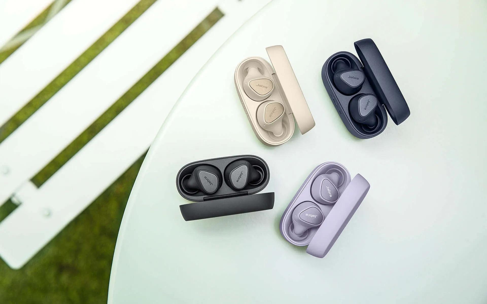 Jabra Elite 3 szinek A Jabra négy új termék bevezetését jelentette be az új Elite valódi vezeték nélküli termékcsalád frissítésével.