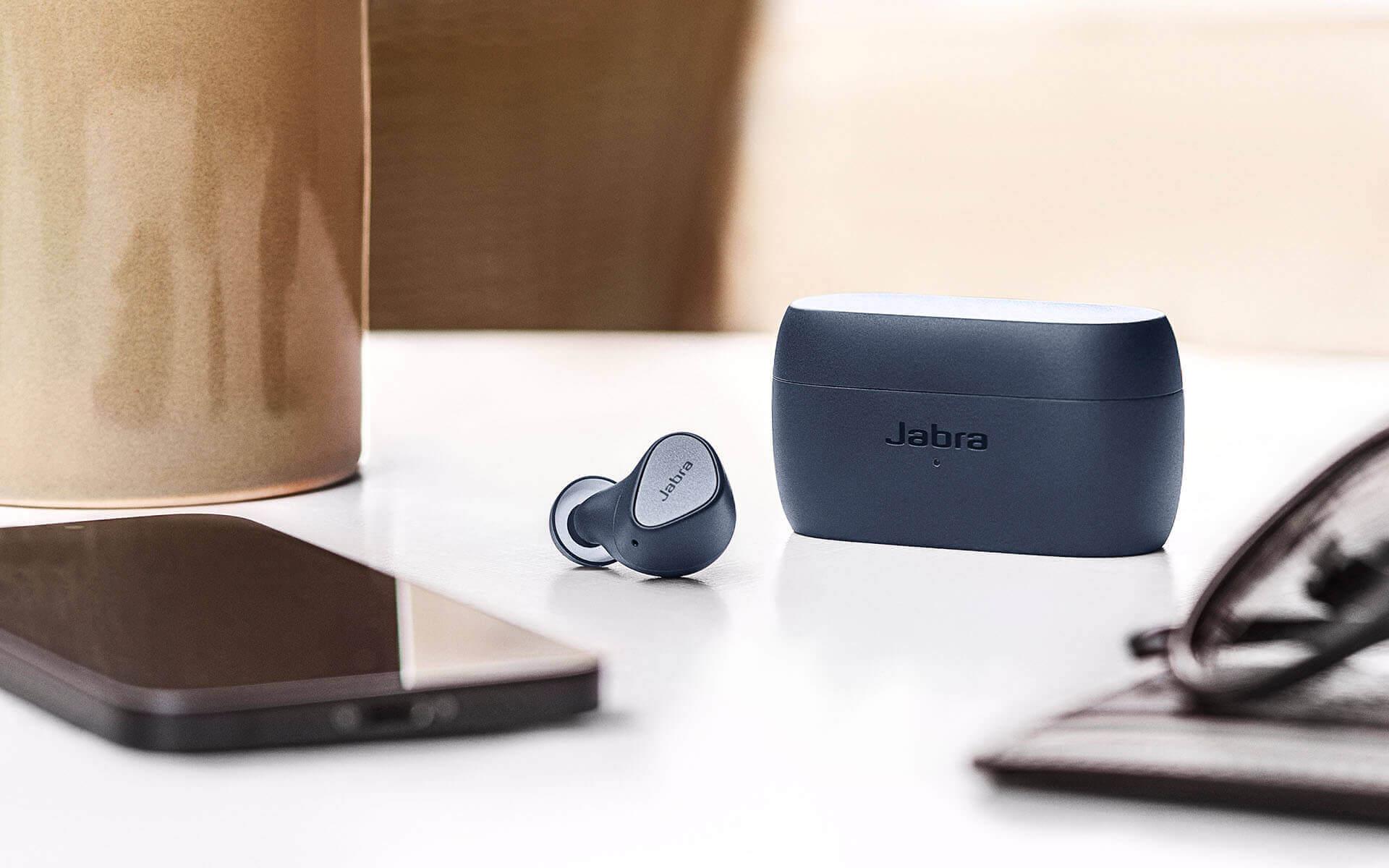 Jabra Elite 3 A Jabra négy új termék bevezetését jelentette be az új Elite valódi vezeték nélküli termékcsalád frissítésével.