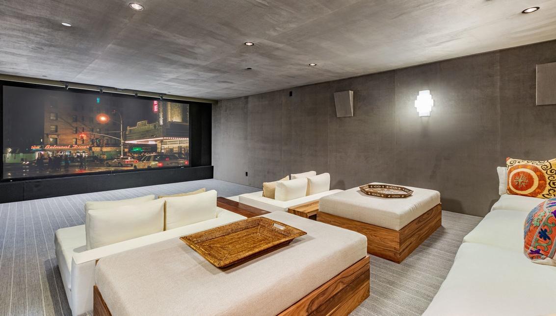 Justin Timberlake es Jessica Biel hazanak hazimozija Justin Timberlake és Jessica Biel (a popsztár és felesége, a színésznő) 35 millió dollárért árulja Hollywood Hills-i luxus birtokát.