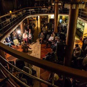Kavehazak Ejszakaja eloadas A Kávéházak Éjszakája rendezvény ma és holnap (október 9-10) érhető el 30 kávéházában közel 70 ingyenes programmal fővárosunkban.