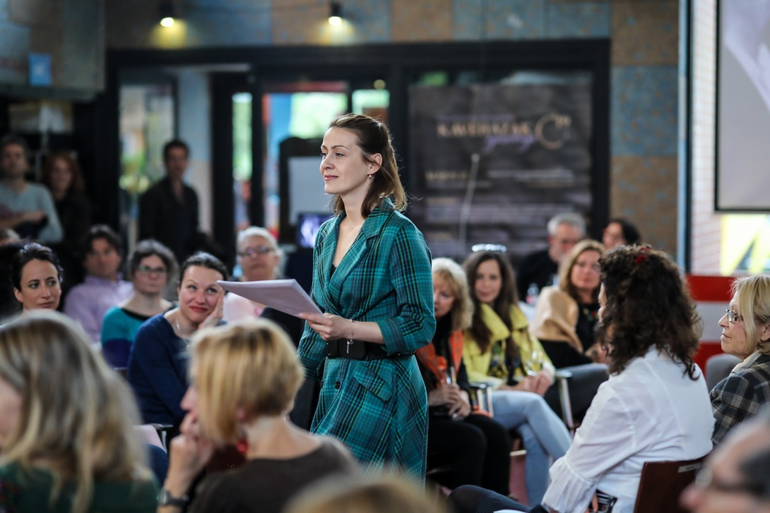 Kavehazak Ejszakaja felolvasas A Kávéházak Éjszakája rendezvény ma és holnap (október 9-10) érhető el 30 kávéházában közel 70 ingyenes programmal fővárosunkban.
